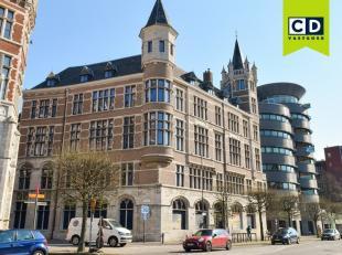 553m² kantoorruimte<br /> Ligging: gelegen in historisch centrum van Antwerpen<br /> Specificaties: traditioneel metselwerk, ingedeeld, open gewe