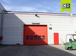 1260m² magazijn<br /> Mogelijkheid tot 120 à 550m² kantoren op zelfde site<br /> Ligging: vlakbij afrit E19<br /> Specificaties: staa