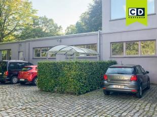 175m² kantoorruimte in groene omgeving<br /> Ligging: op 1km van R4 met vlotte verbinding naar E40, op 1km van Sint-Pietersstation<br /> Specific