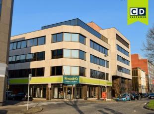 622m² kantoorruimte op 1ste verdieping (opsplitsbaar)<br /> Ligging: aan Singel en Antwerpse Ring; station van Berchem en bushalte op wandelafsta