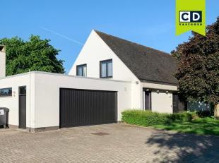 228,5m² kantoor met 70m² garage/berging en 15m² kelder<br /> Ligging: rustig gelegen, makkelijk bereikbaar via N43, R4 en autosnelwegen
