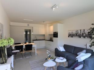 Dit prachtige energiezuinige appartement is momenteel ingericht als modelappartement in het project Parkzicht Gullegem. Het gelijkvloers appartement o