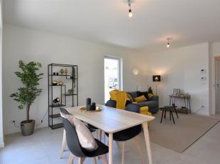 Ontdek dit volledig afgewerkt en opgeschilderd gelijkvloers appartement in het groene Binnenhof.<br /> Het appartement omvat een ruime lichtrijke leef