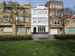 Prachtig gerenoveerde opbrengsteigendom op een rustige locatie te Oostende. Het gebouw is vlot bereikbaar via de autosnelweg of openbaar vervoer (nabi