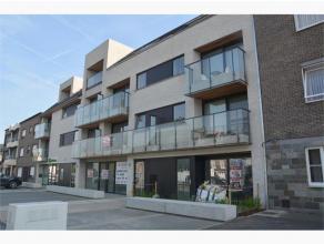 Nieuwbouwappartement van 121 m² op het gelijkvloers met inkom, ruime living, open keuken, berging, badkamer, wc, 2 slaapkamers, terras vooraan (1