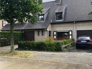Deze woning heeft een aangename rustige ligging (geen doorgaand verkeer) doch op wandelafstand van het centrum van Aalter. Alle comfort is beschikbaar