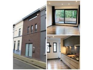 Unieke nieuwbouwwoning te huur CENTRUM GENT! Uitzonderlijke nieuwbouwwoning gelegen op één van Gents beste locaties. Bestaande uit een v