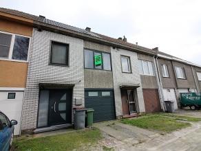 Deze woning is gelegen in een doodlopende straat buiten het centrum van Zelzate. Deze kindvriendelijke buurt is dé ideale locatie voor gezinnen