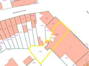 Handelsruimte met woonst in centrum Mariakerke, op slechts 5km van centrum Gent!Commercieel uitstekend gelegen met veel passage, zichtbaarheid en park