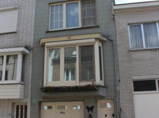 In een rustige zijstraat van de Botermarkt, vinden we deze instapklare bel-etage woning. Winkels bevinden zich op wandelafstand, het centrum van Gent