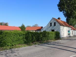 Landelijk gelegen woning met terras en tuin waar het heerlijk vertoeven is!De woning is ingedeeld als volgt; keuken, leefruimte, badkamer met toilet,
