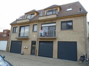 Centraal en rustig gelegen duplexappartement in residentie Tillia in het centrum van Ertvelde met mooi uitzicht. Het appartement is gelegen op de 1&de