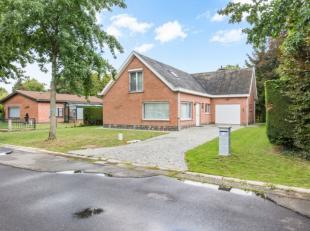 Deze prachtige woning is gelegen in het rustige, groene en residentiële Kolegem.Heel goede ligging op wandelafstand van openbaar vervoer en schol