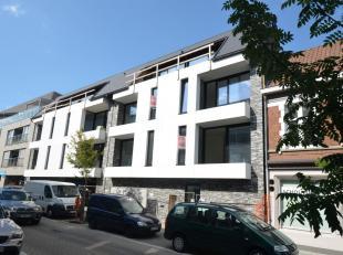 Keuze uit appartement op 1e of 2e vdp met als indeling: <br /> <br /> - inkomhal met vestiaire<br /> - apart toilet<br /> - zonnige leefruimte met str
