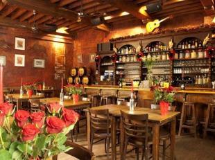 """over te nemen : Tapasrestaurant """"De Negen Vaten"""" in het oude en historische gedeelte van Antwerpen . Zeer goed gelegen zaak omgeving kaaien , Hoogstra"""