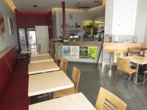 Over te nemen : goed draaiende en verzorgde broodjeszaak te Antwerpen omgeving Mas . Voldoende parkeergelegenheid in de direkte buurt alsmede bedrijve
