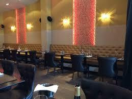 Over te nemen : gekend restaurant voor zowel een snelle lunch als een uitgebreid dineetje op toplocatie op het Antwerpse - Zuid .<br />  Zij bestaat u