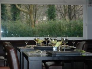Over te nemen : nieuwe eigentijdse brasserie op zeer goede locatie omgeving Boelaerpark te Borgerhout . Hoekligging gelegen aan een pleintje . Hier ka