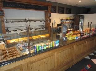 Over te nemen : toffe broodjeszaak gelegen in de winkelstraat te Schilde . Winkel is gesloten op zon - en feestdagen . Dagzaak !<br /> Deze zaak besta