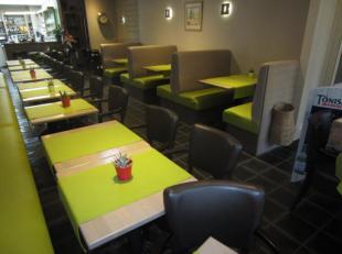 Over te nemen : prachtig gelegen bistro / taverne / tearoom te Dendermonde - Centrum . Gelegen op toplocatie in de winkelstraat . Goed draaiende zaak