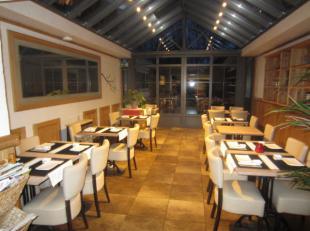 over te nemen : prachtig en volledig ingericht restaurant / bistro te Schilde .<br />  Zaak met een centrale ligging gelegen in de belangrijkste winke