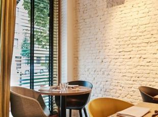 Over te nemen : restaurant / horecazaak op een zeer goede locatie op het hippe Antwerpse - Zuid .<br />  Het pand is gelegen in de Volksstraat dit is