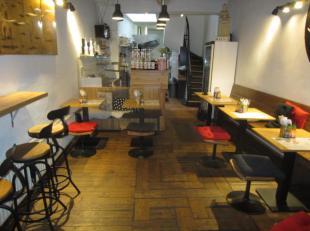 Over te nemen : klein gezellig restaurant op toplocatie in het historisch gedeelte van Antwerpen .<br />  Autovrije straat in de buurt van de Grote Ma