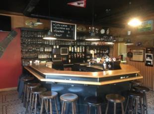 Over te nemen : café met mogelijkheid tot woonst en centrale ligging te Rotselaar .<br />  Deze zaak met hoekligging beschikt over een ruime ve