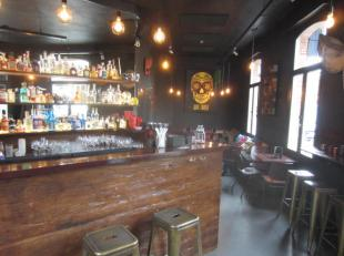 Over te nemen : gespecialiseerde drankgelegenheid ( cocktailbar of café ) op een toplocatie in Antwerpen op het wel begeerde Eilandje . <br />