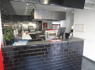Over te nemen : zeer rendabele pizzeria afhaal of delivery met hoge omzet cijfers in het Gentse .<br />  Deze zaak is centraal gelegen aan een pleintj