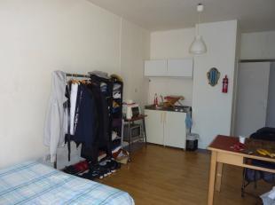 IN OPTIE! Antwerpen vlakbij station: Instapklare Studio met kitchenette en aparte badkamer. Direct beschikbaar bij akte! Ideaal als 1ste woning, verhu