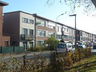 Borgerhout Groenenhoek, Apollostraat 44/2L, vlakbij Te Boelaerpark: gezellig instapklaar appartement met 2 slaapkamers en terrasje op het 2e verdiep.