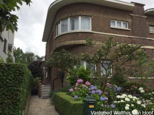 Charmant 1 slaapkamer appartement op de eerste verdieping in rustige en groene omgeving te Wilrijk. Het appartement bevindt zich eveneens vlakbij alle