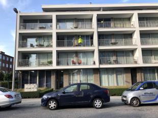 Dit recent nieuwbouwappartement in hedendaagse stijl situeert zich vlakbij het centrum van Hoboken, in een doodlopende straat.<br /> Het appartement i