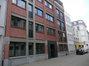 De residentie Falco is gelegen op loopafstand van deUA stadscampus, de mode academie ende industriële hogeschool AP. Gelijkvloerse instapklare st