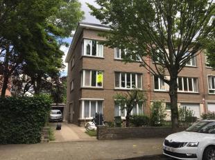 Dit luxueus appartement op de 1ste verdieping van een klein gebouw ligt in een residentile buurt van Wilrijk. Zeer goed gelegen bij grote invalswegen,