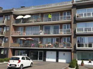 Ruim appartement op het derde verdiep, buiten het centrum van Deurne, maar vlakbij openbaar vervoer, winkels, Wijnegem shoppingcenter, scholen en spor
