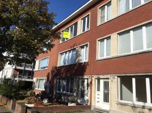 We treffen dit goed gelegen appartement op de tweede verdieping in een autoluwe straat in de Oosterveld wijk. Deze wijk staat gekend voor zijn rustige