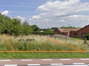 Centraal gelegen bouwgrond tussen Hasselt en Diepenbeek voor halfopen bebouwing. Ter hoogte van de Steenweg naar Diepenbeek, naast huisnummer 72, zijn