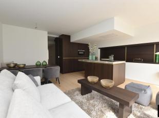 Mooi vernieuwd 3 slaapkamer-appartement in de Parmentierlaan, op wandelafstand van de Zeedijk en het centrum.<br /> Indeling: inkom, vestiaire, gasten