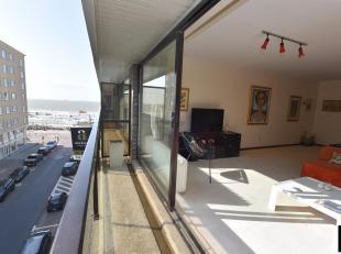 Zeer goed gelegen appartement met zijdelings zeezicht op de westgerichte kant van de Zwaluwenlaan [Albertstrand].<br /> Indeling: Inkomhall, ruime woo