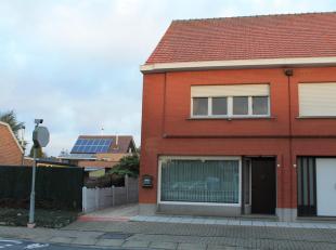 TE HUUR VOOR 1 JAAR: Deze woning met 2 slaapkamers is gelegen aan de rand van het centrum van Tremelo. De bewoonbare oppervlakte bedraagt circa 130m&s