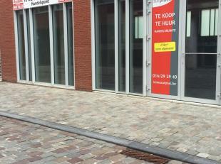 Nieuwe commerciële ruimte van 278m² aan de Vaartkom in Leuven. De ruimte is reeds deels afgewerkt en voorzien van luchtwarmtepomp systeem, e