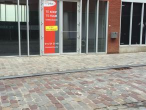Nieuwe commerciële ruimte te koop van 278m² met optioneel 2 ondergrondse parkeerplaatsen. Gelegen aan de Vaartkom in Leuven. De ruimte is al
