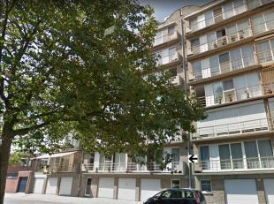 Gunstig gelegen appartement in de wijk Groenenhoek, op de grenslijn Berchem, Borgerhout, Deurne-zuid. Op de 1ste verd. in mooi onderhouden gebouw. <br