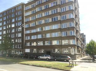 Goed gelegen, in een zijstraat van de Jan Van Rijswijcklaan met goede verbindingen naar de A12 en andere invalswegen, winkels, restaurant en frituur a