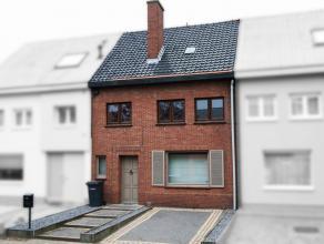 Deze woning is rustig gelegen, maar toch vlakbij het centrum van Putte. De woning is instapklaar en ideaal voor jonge gezinnen of starters.<br /> Via