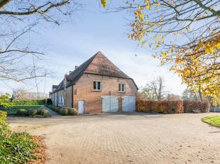 Gerenoveerde 18e eeuwse hoeve, gelegen in een beschermd natuurdomein. <br /> Deze uitzonderlijke woning, ook wel de Mispeldonkhoeve genoemd (vastgeste