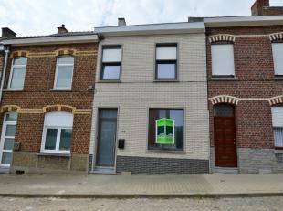 Vrij vanaf 1 juni! Ideale woning voor een jong koppeltje of gezin met max. 2 kinderen!Deze recent gerenoveerde woning ligt net buiten het centrum van