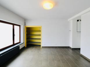 Centraal gelegen pas gerenoveerde praktijkruimtes in Zwijnaarde!<br /> Deze pas volledig gerenoveerde praktijkruimtes genieten een centrale ligging vl